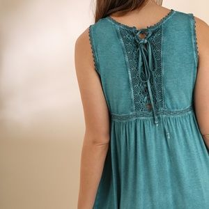 Umgee Dresses - NWT UMGEE Washed Sleeveless Dress w/ Lace Detail
